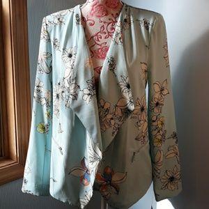 New.Ladies Jacket medium. NY